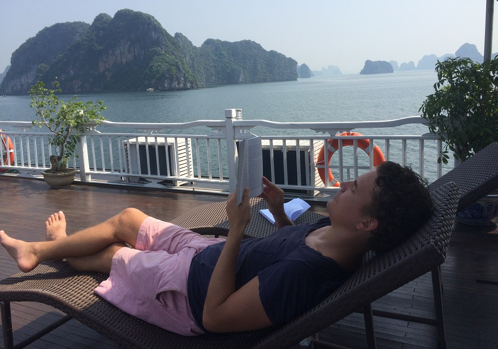 Ha Long Bay Relaxing