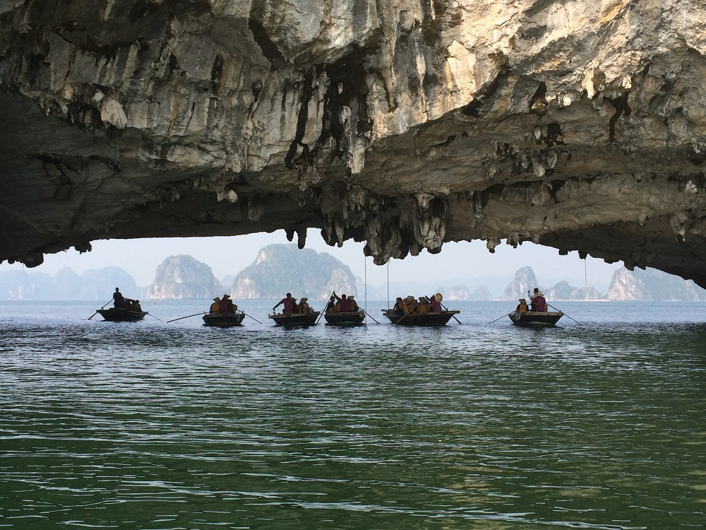 Ha Long Bay small boats