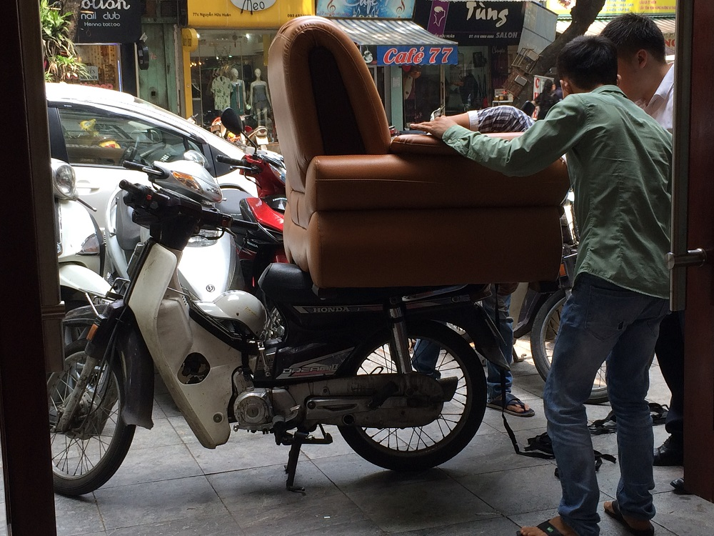 Hanoi chair on moped