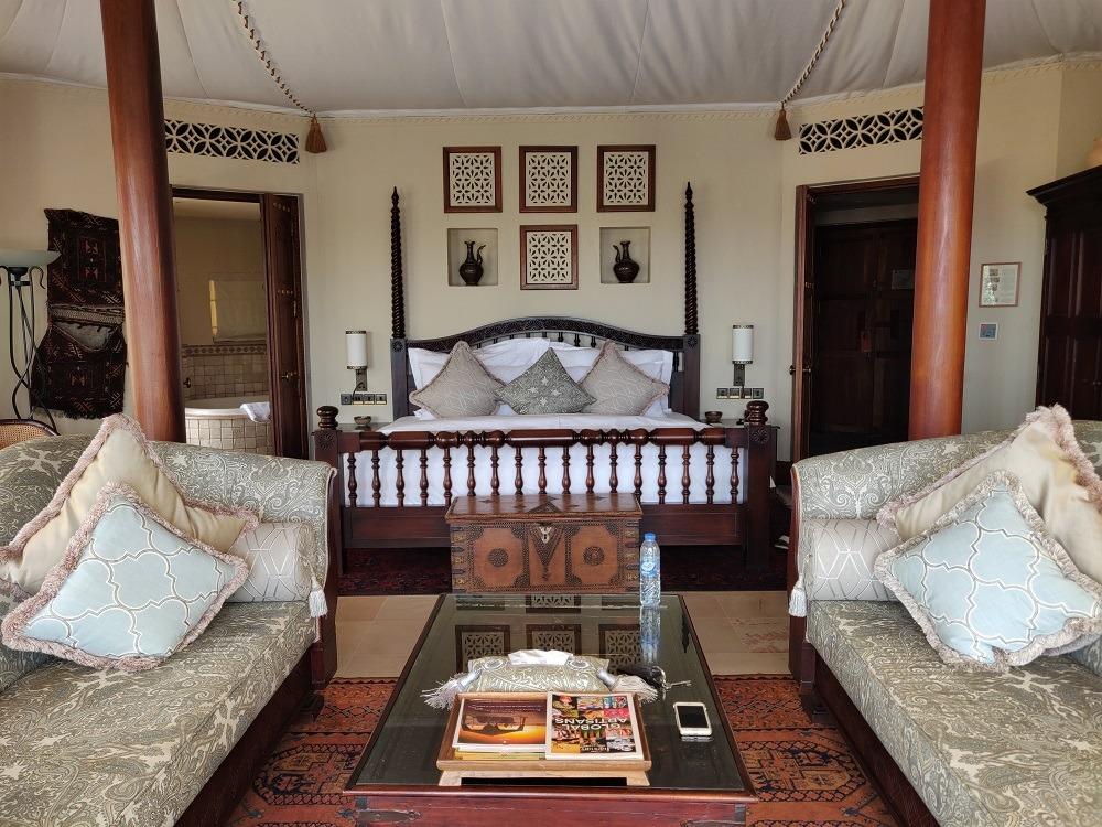 Al Maha Bungalow inside